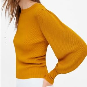 Zara puff sleeves sweater